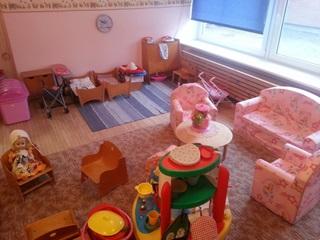 Møbler går til barnehager og skoler
