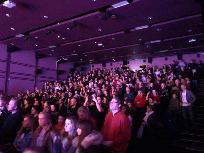 Publikum på Milepelen